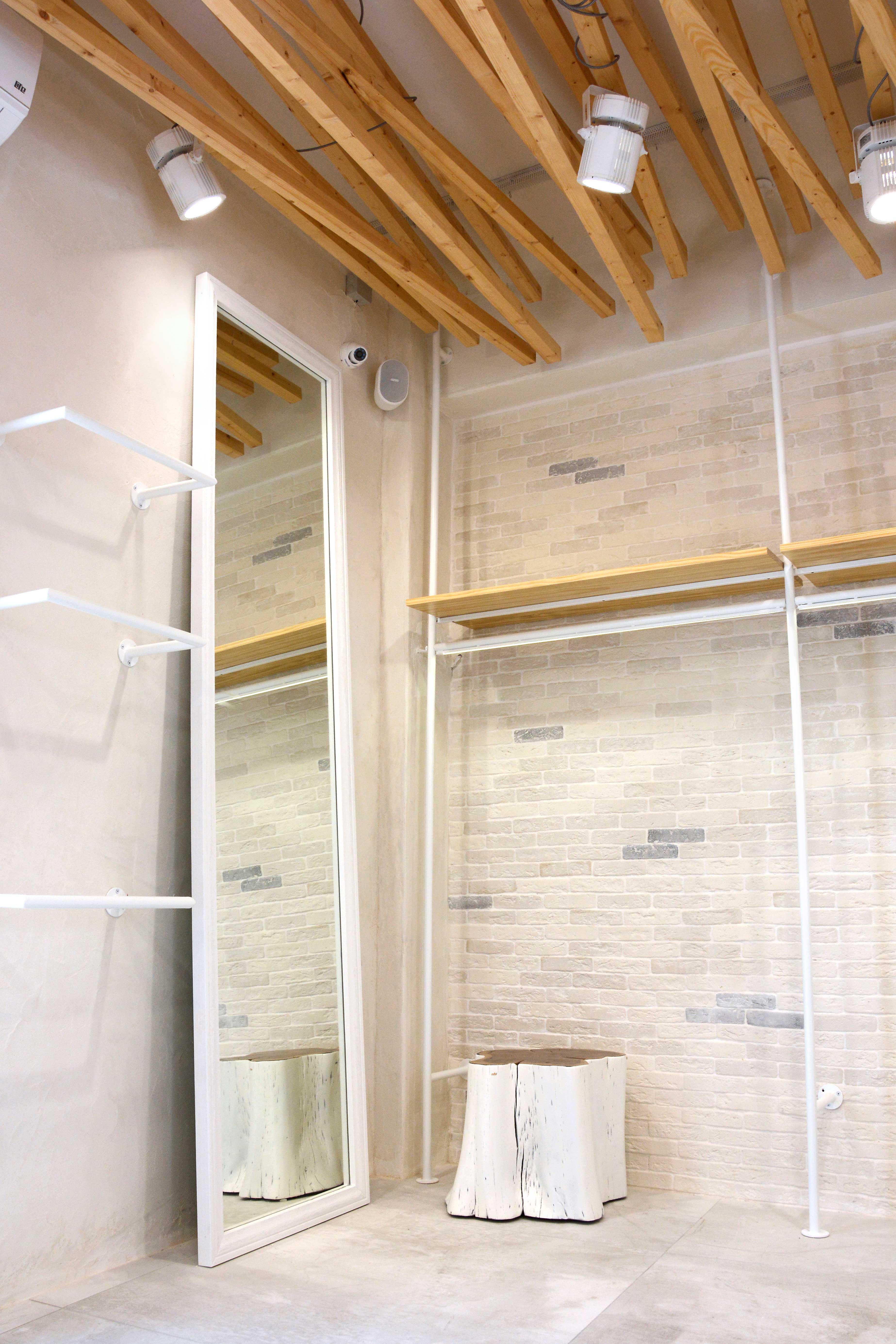 White Store   Κritikoswood   Accoya   Wooden Frames