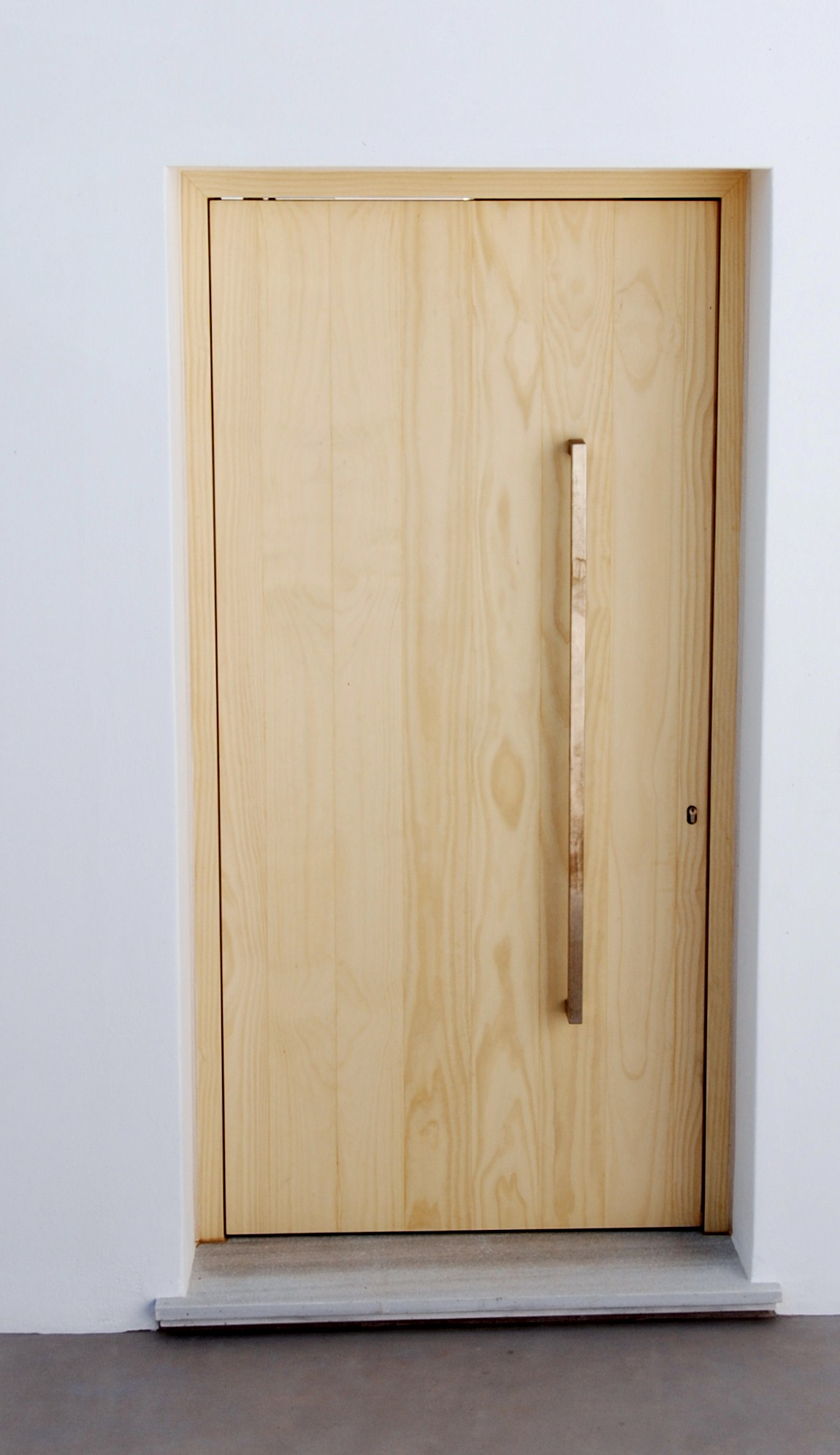 Θ160  Μασίφ εξώπορτα με λεία επιφάνεια